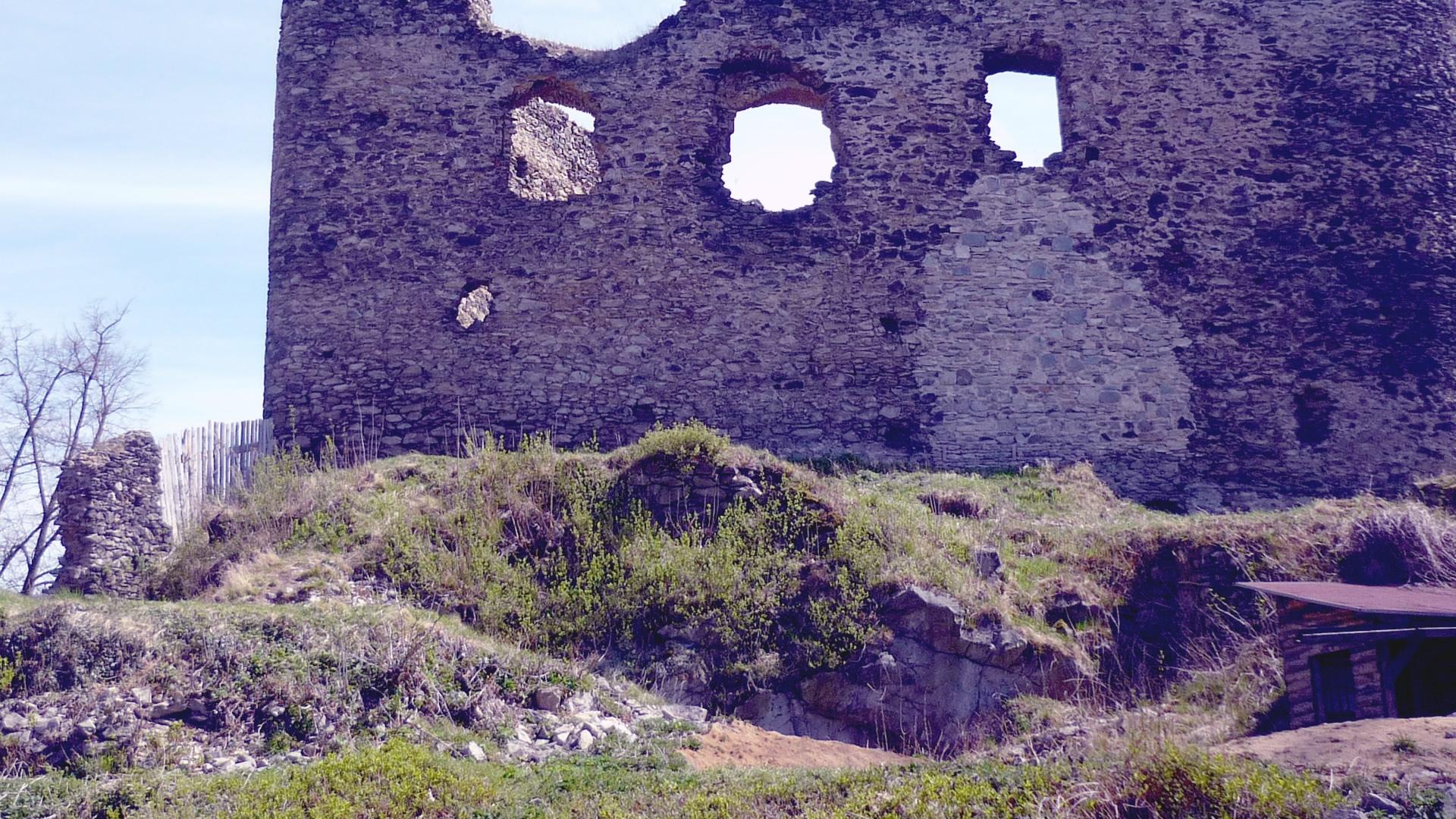 Záchrana hradu Kostomlaty