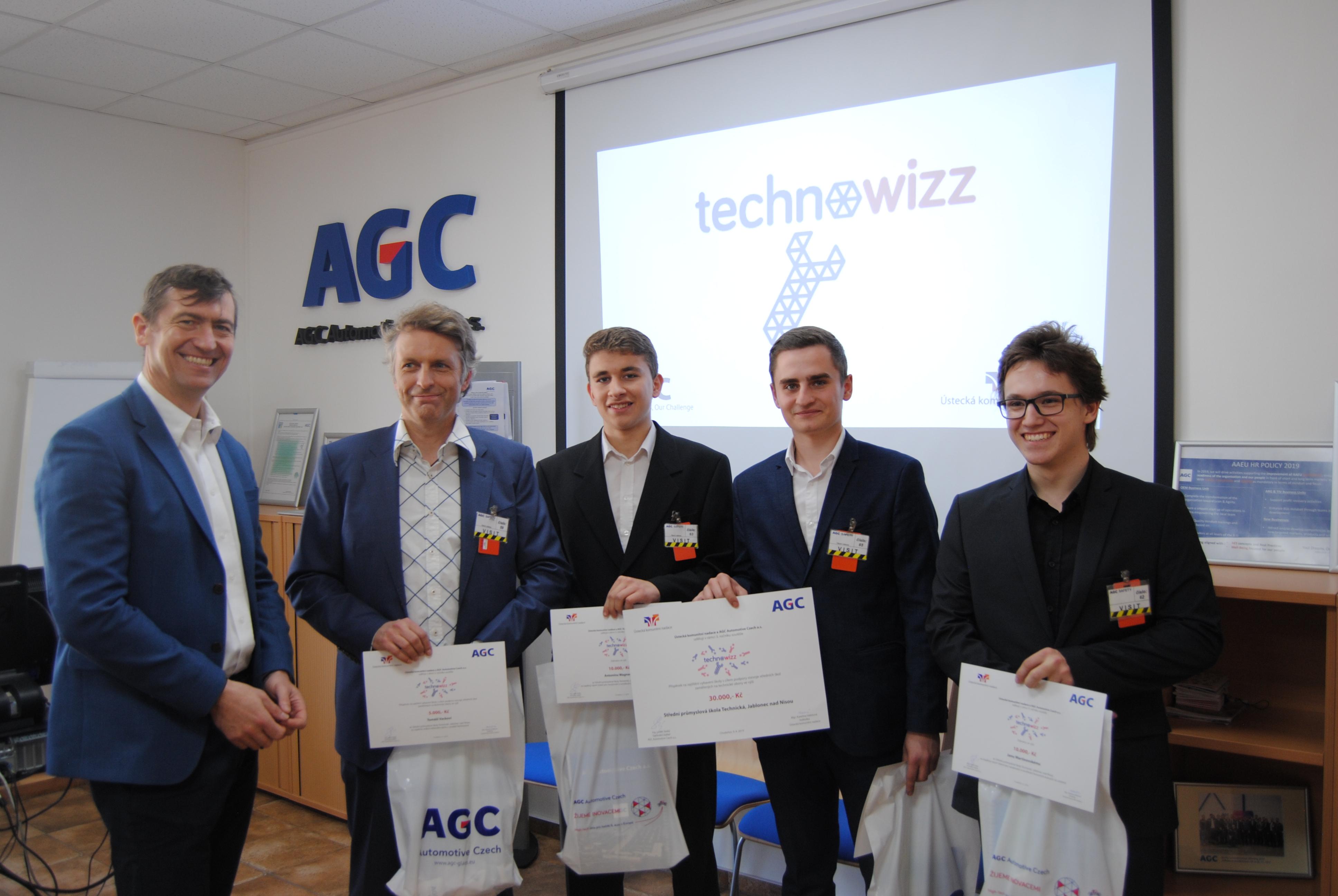 Vítězství v soutěži Technowizz si odvezli studenti z Jablonce