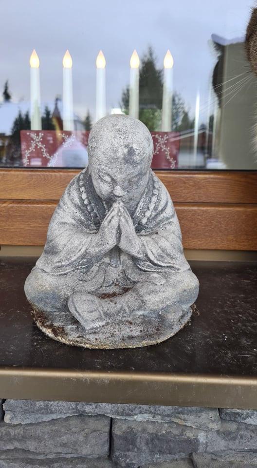 Modlící se mnich malý